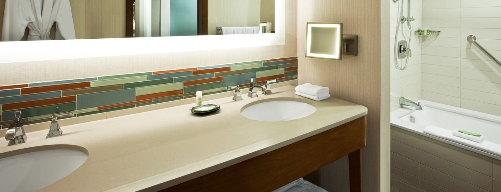 Hilton Head Hotels - The Westin - Grand Deluxe Bathroom